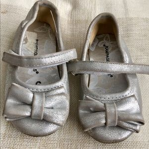 Infant Girl Sz 6 Silver Rampage Mary Jane Flats